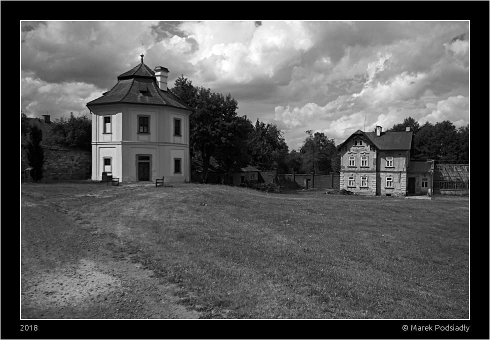 Budynki przyklasztorne