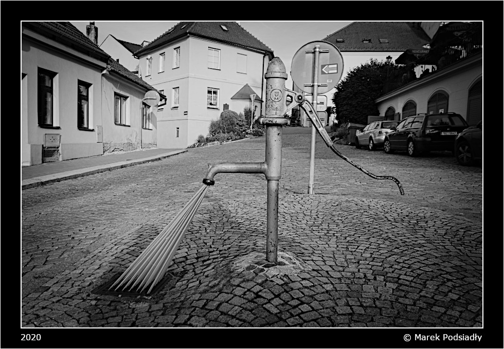 Stara pompa uliczna